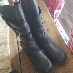 Cute black mid shin boots